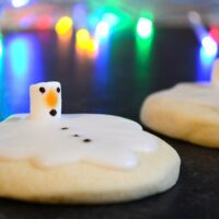 Melted Snowman Biscuits Recipe
