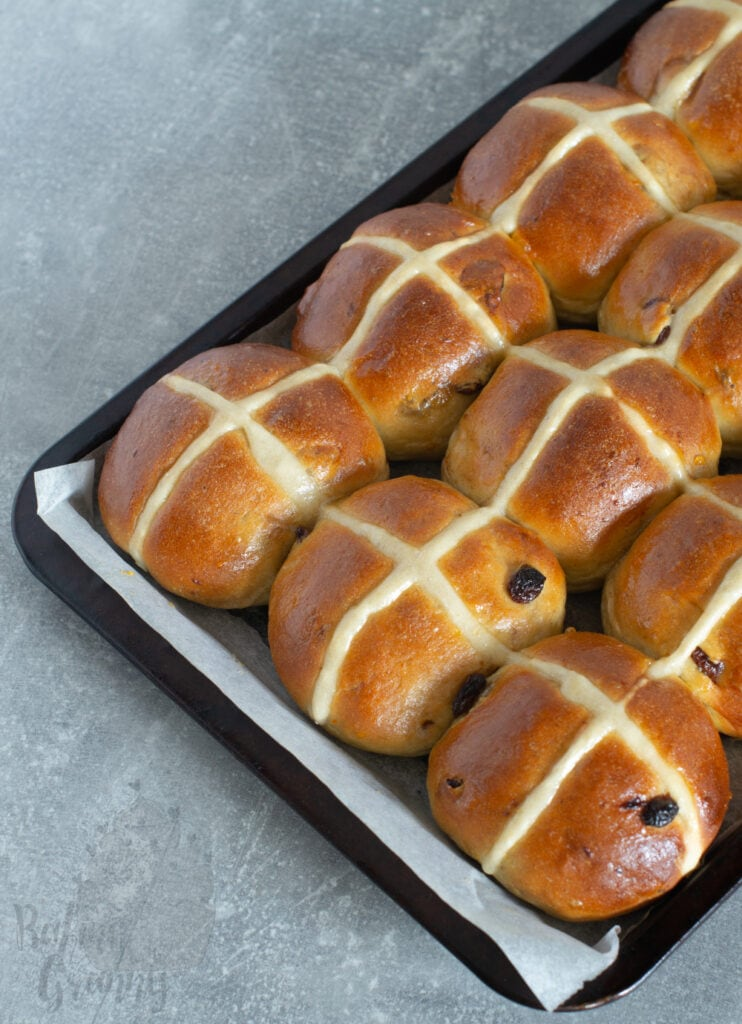 Hot Cross Buns recipe from Baking with Granny. Easy, simple, no-frills, traditional hot cross buns. Made with sultanas and can be vegan too.